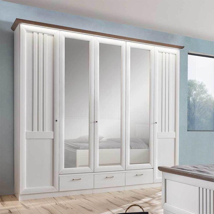 die besten 25 kleiderschrank landhausstil ideen auf pinterest begehbarer kleiderschrank. Black Bedroom Furniture Sets. Home Design Ideas