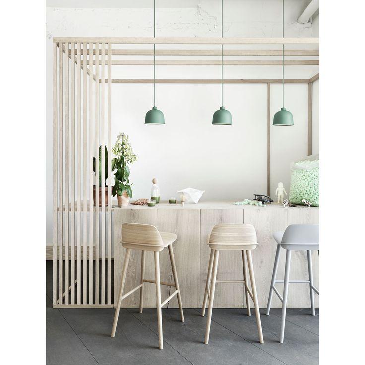 Grain pendel fra Muuto, designet av Jens Fager. Lampen er produsert av plast og bambus, en kombinasj...