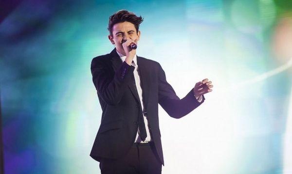 Michele vince X Factor 7 e ringrazia i suoi fan su Facebook