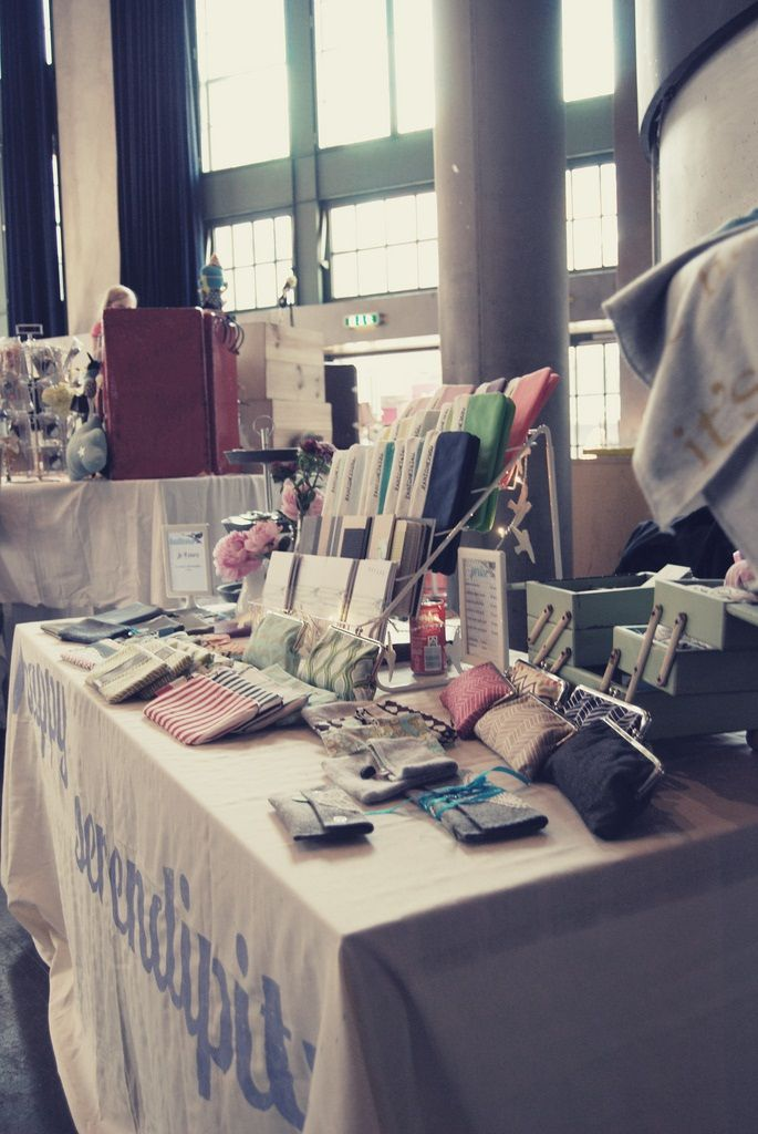 Craft fair table ideas woodworking projects plans for Clothing display ideas for craft shows