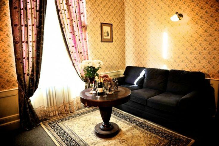 El estilo arquitectónico del Hotel Praga 1885 corresponde a su interior