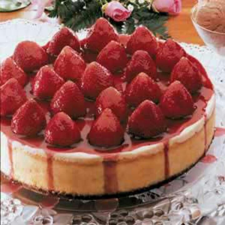 fresh strawberry cheesecake YUM | Food Photography | Pinterest
