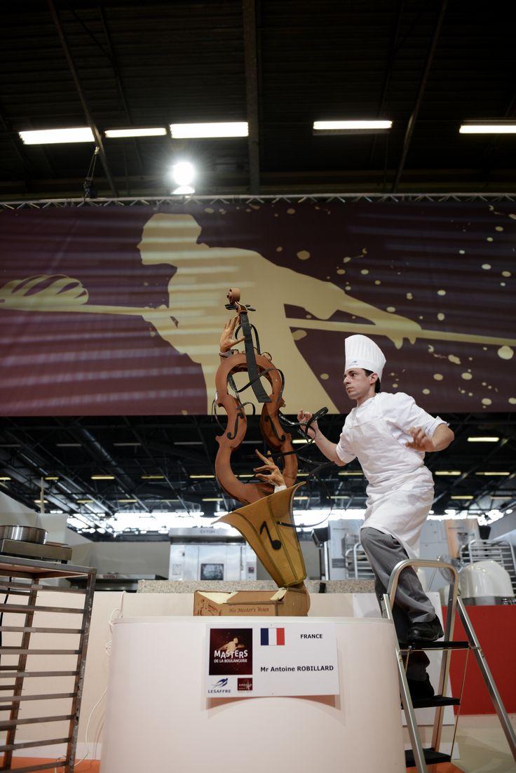 WINNER / 2014 MASTER BAKER Masters de la Boulangerie 2014 – candidat de France, Antoine ROBILLARD, catégorie Pièce artistique  2014 Bakery Masters – candidate from France, Antoine ROBILLARD, Artistic piece category  Copyright Sabine SERRAD
