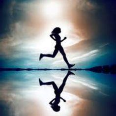 En días como hoy nos apetece más que nunca salir a #correr para disfrutar del aire puro y de la naturaleza ¿Y a tí?