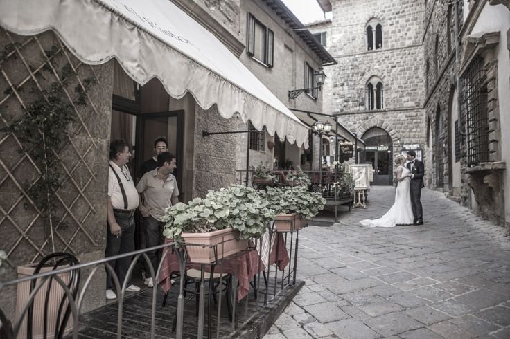 Just love this picture ....  Wedding in Volterra