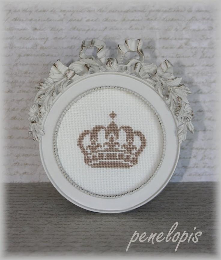 Penelopis' cross stitch freebies: Crown / Crown