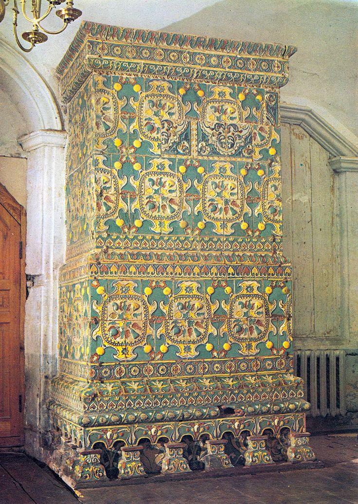 Печь, облицованная рельефными изразцами. 80-е годы 17 века. Преображенская…
