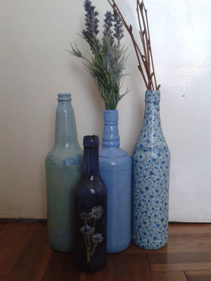 Botellas recicladas decorativas, $60 en https://ofeliafeliz.com.ar