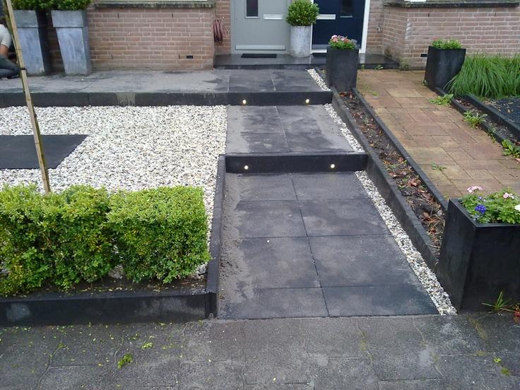 Voortuin met grind en mooie grote tegels tuinen pinterest tuin met and van - Tegel voor geloofwaardigheid ...