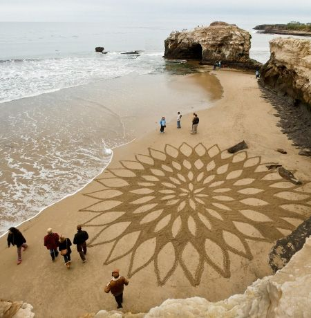 Andres Amador: artist uses a rake to create artworks on sandy beaches at low tide
