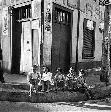 En la Esquina. Valparaíso 1959. Antonio Quintana