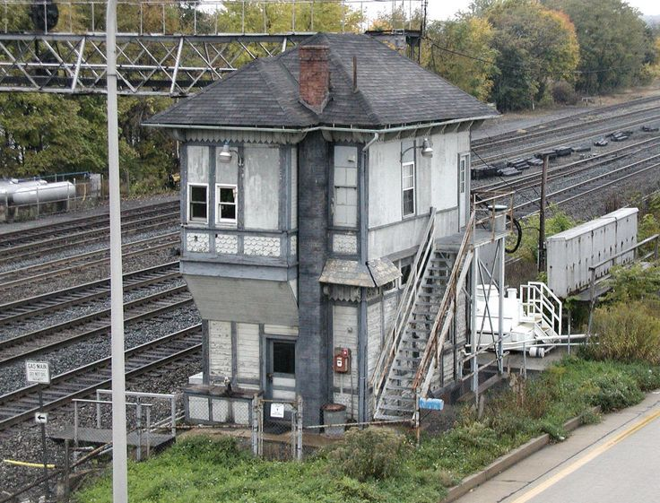 40 best train signal houses images on pinterest for Old house tracks