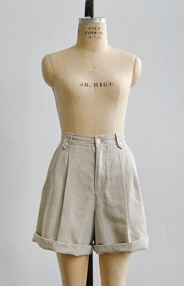 Porquerolles Shorts | vintage 1990s cream linen shorts | www.adoredvintage.com