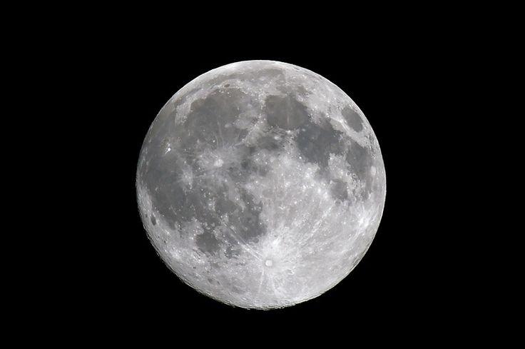 Selon la Nasa, la Lune sera plus proche de la Terre qu'elle ne l'a jamais été depuis janvier 1948 et ce, le 14 novembre.