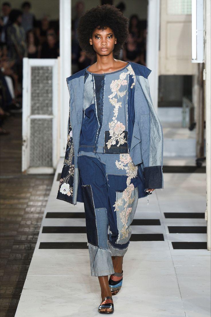 Sfilata Antonio Marras Milano - Collezioni Primavera Estate 2017 - Vogue