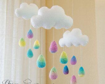 Nubes blancas nuevas y coloridas lluvia por OneandTwoOriginals