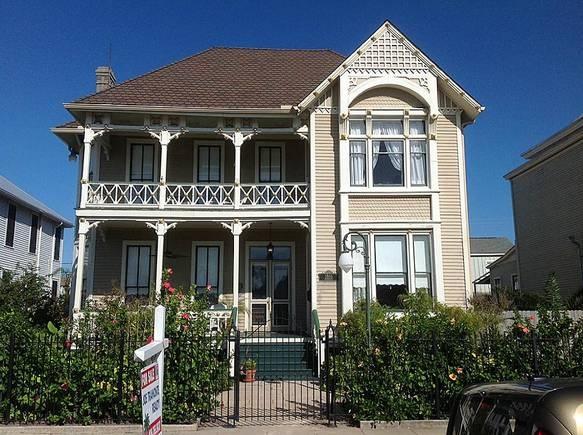 54 best galveston historic homes images on pinterest for Galveston home builders