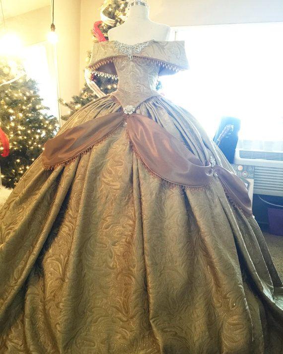 love the sash going around the dress here