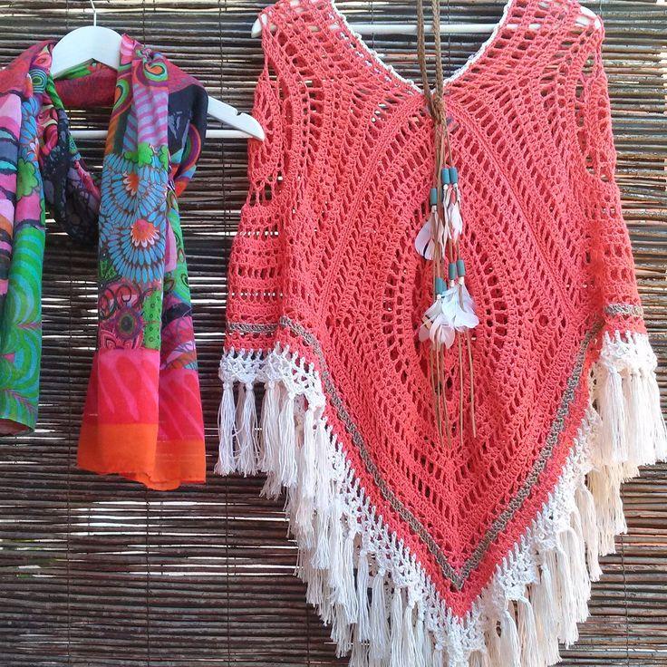 Bo-M: Poncho Cor de Coral e Marfim