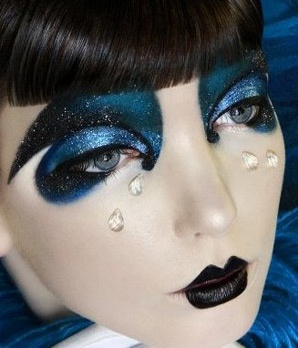 A rather fab editorial shoot with midnight tones and glitter