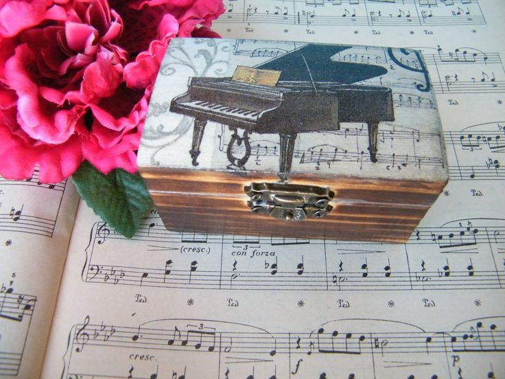 Wooden jewelry box with piano and notes , small shabby chic box for musicians, art box, grand piano box, gift for music teacher, grand piano by KristanArt on Etsy