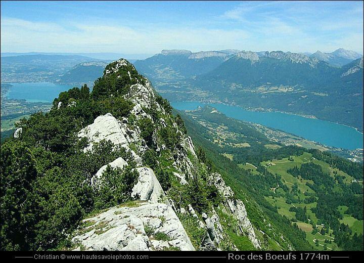 le lac d'Annecy vu depuis le Roc des Boeufs à 1774m