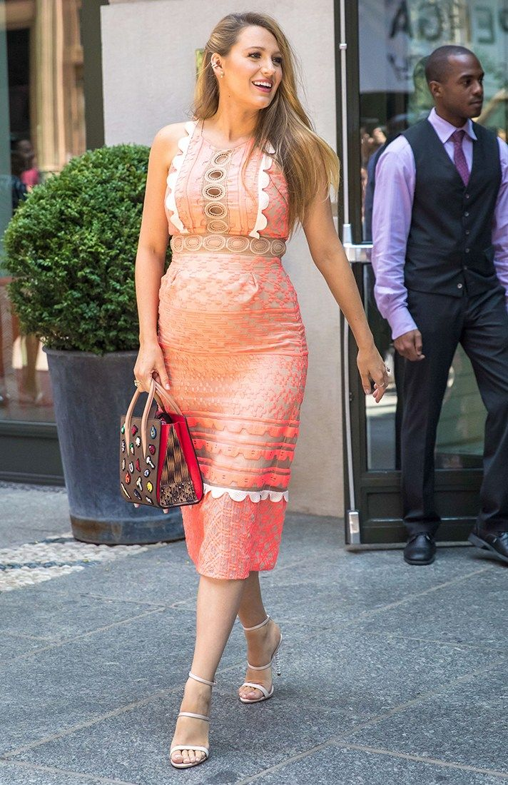 The Best Pregnant Celebrity Street Style | StyleCaster