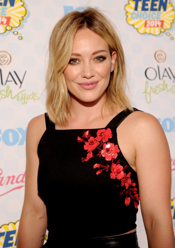 Pin for Later: The Choicest Beauty Looks at the Teen Choice Awards Hilary Duff Hilary Duff's trendy lob brought out her flawless cheekbones at the 2014 Teen Choice Awards.