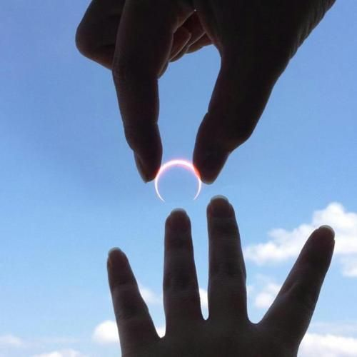 A man in Japan effectively used the solar eclipse to propose to his girlfriend.
