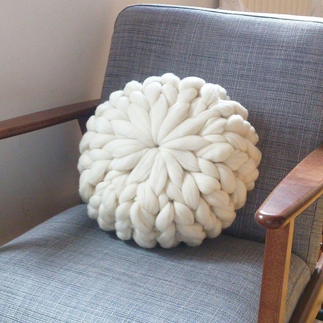 Hand-knitted cushion made of Merino wool. & 25+ unique Knit pillow ideas on Pinterest | Knitted pillows ... pillowsntoast.com