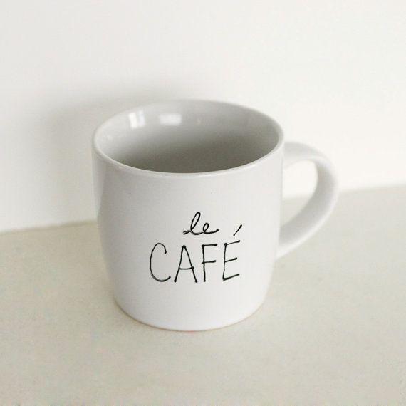 Le Café Mug di OhLeanderShop su Etsy
