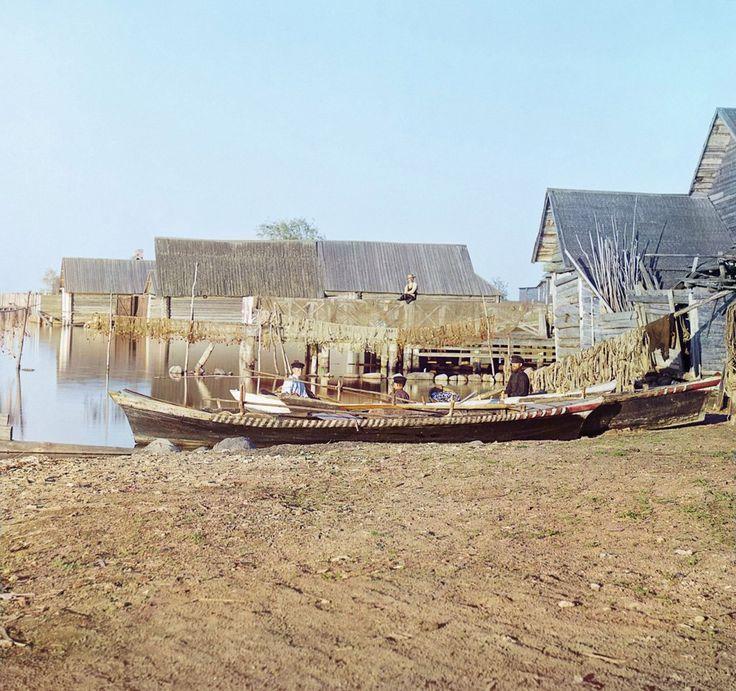 Набережная озера Селигер. Рыбацкие поселения (г. Осташков). 1910 год.