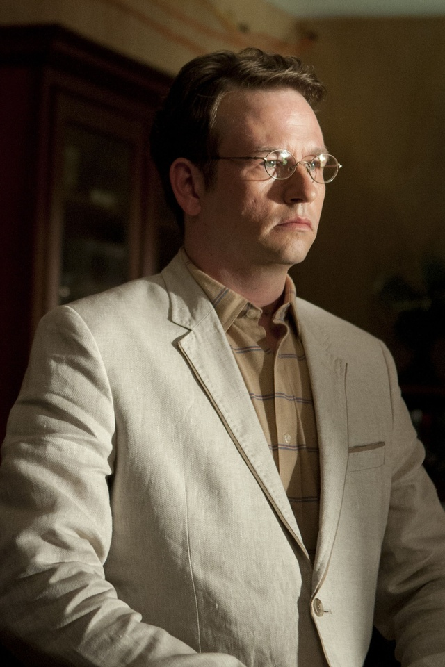 """Milton (main character) Milton is a resident of Woodbury. He is one of The Governor's most trusted allies and works as a researcher for Woodbury, trying to find a """"spark"""" of humanity in Walkers. He befriends Andrea but is responsible for her death after he is turned into a Walker by the Gov."""