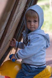 przyjazny pedagog : Dwudziesty pierwszy miesiąc życia dziecka.
