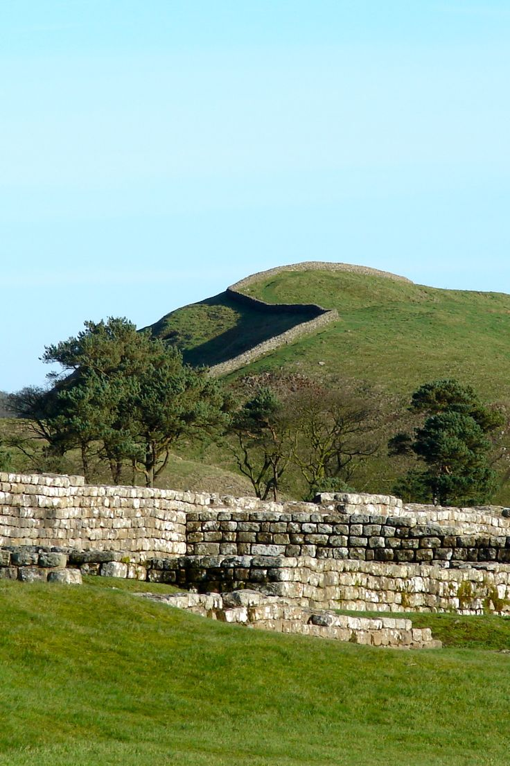 Hadrian's Wall at Housesteads Roman Fort (Vercovicium). This Roman fort housed some 1000 soldiers beginning around AD 124 for about three centuries. Northumberland, England (Nov 2006)