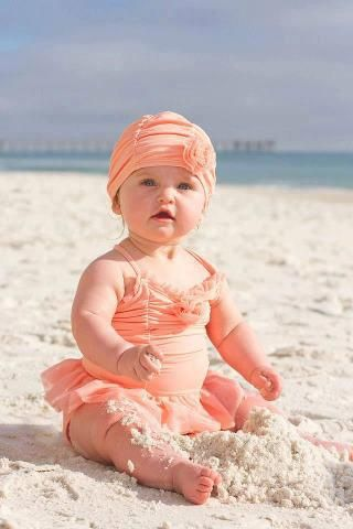If I have a girl, I would love to put her in this little outfit one day for beach fun day!