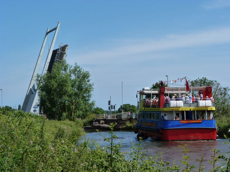 Cruising on Exeter Canal