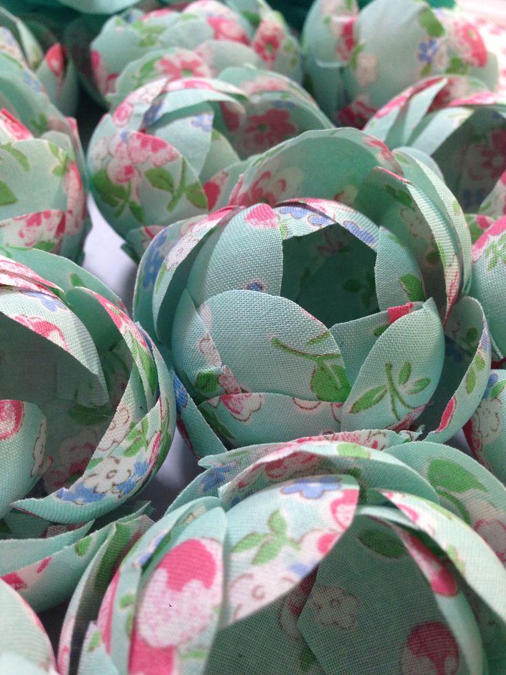 Forminhas de tecido florida