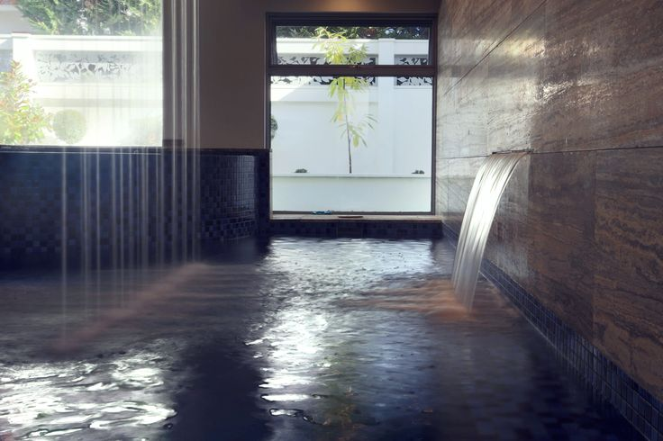 The finishes to the pool were chosen with luxury in mind, with the limestone floor and walls straight out of any luxurious hotel or day spa.