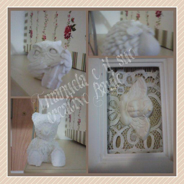 collage di gessetti: gufetto,orsetto,pecorella e cornice shabby con angelo profumato