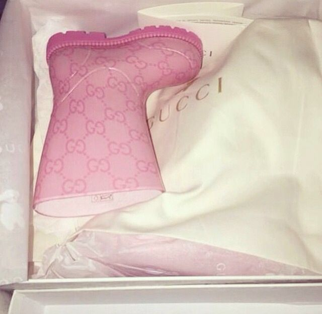 Gucci rain boots just like Mama's ;)