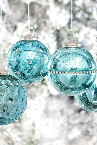 turquoise and silver Christmas - my mom's favourite Christmas colours in the late 60s