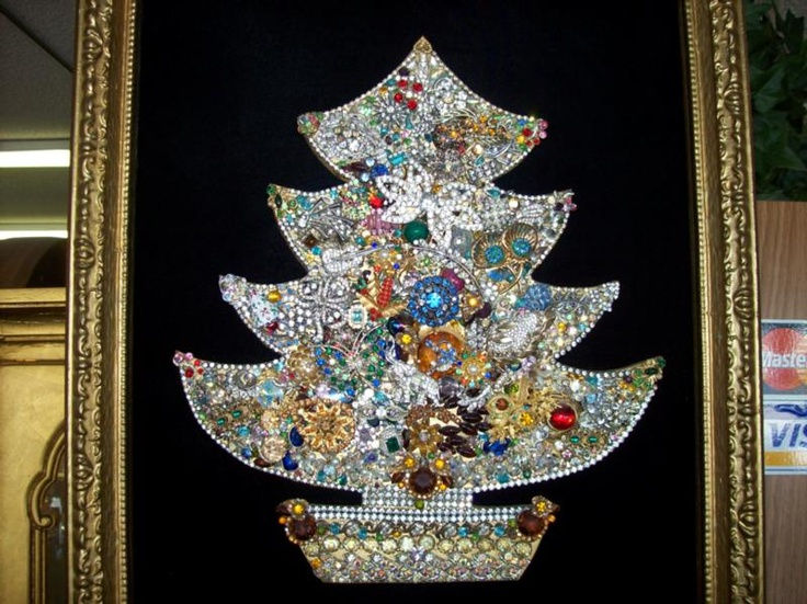 How To Make A Costume Jewelry Christmas Tree Part - 46: Make A Framed Christmas Tree Using Vintage Costume Jewelry: What A Great  Way To Display Grandmau0027s Old Jewelry.