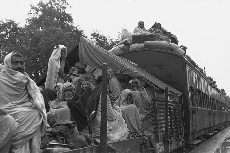Henri Cartier-Bresson INDIA. North India. Kuinkshaha. 1947. Muslim refugee train from Delhi to Lahore (Pakistan). Magnum Photos Photographer Portfolio