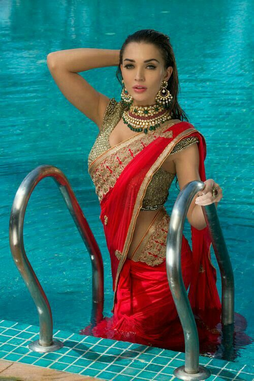 Amy Jackson in a saree