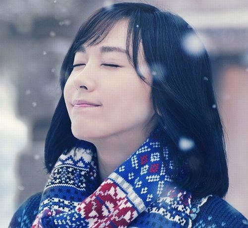 女優の新垣結衣(29歳)が、今年も明治「メルティーキッス」のCMに出演。「雪だるまからの贈り物」篇が10月24日より全国で放映を開始する。その他の大きな画像はこちら2011年に登場以来、今年で7回目を...