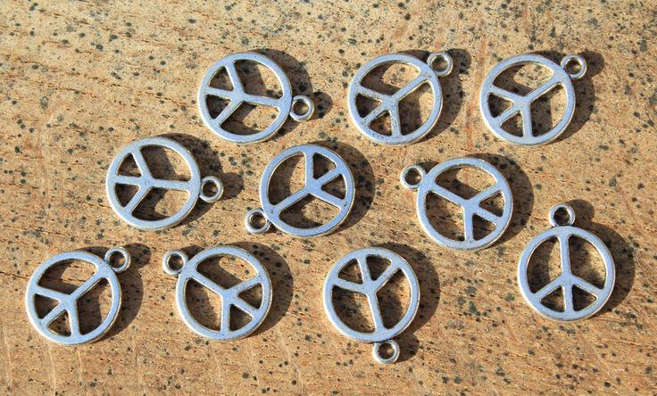 Weiteres - 10 Anhänger peace zeichen 13mm Antik Silber - ein Designerstück von obiwani bei DaWanda