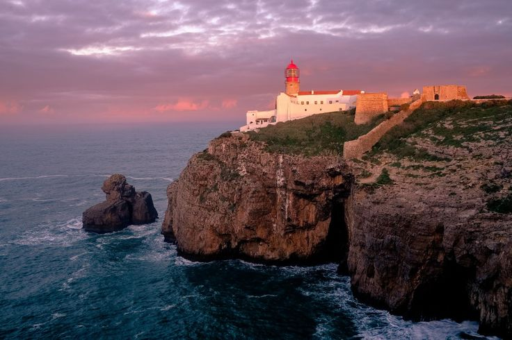 Sagres - community in the extreme south-west coast of #Portugal. Sagres Coast has several beaches - all located on the territory of the Natural Park of Southwest Alentejo and Visentinskogo coast. The most famous beaches are: Praia do Beliche, Praia do Ton http://www.deepbluediving.org/trash-ocean/