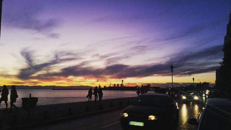 Οι ομορφιές του φθινωπορου! #thessaloniki #sunset #night #sky