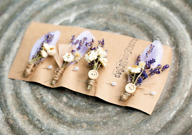 boutonnieres // photo by Hetler Photography